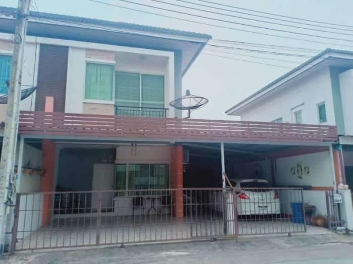 ขายบ้านแฝดสองชั้น  หมู่บ้านประภัสสร8 ใกล้บ่อวิน
