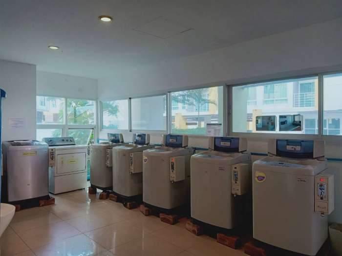 ขายร้านซักรีด ใต้คอนโดพร้อมเครื่องซักผ้าหยอดเหรียญ และตู้น้ำหยอดเหรียญ