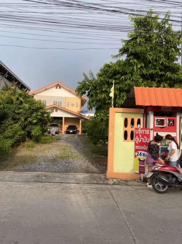 ที่ดินถนนกิ่งแก้ว ซอย25/1 เนื้อที่ 2ไร่34วา บางพลี สมุทรปราการ พร้อมบ้านและห้องแถว 10 ห้อง