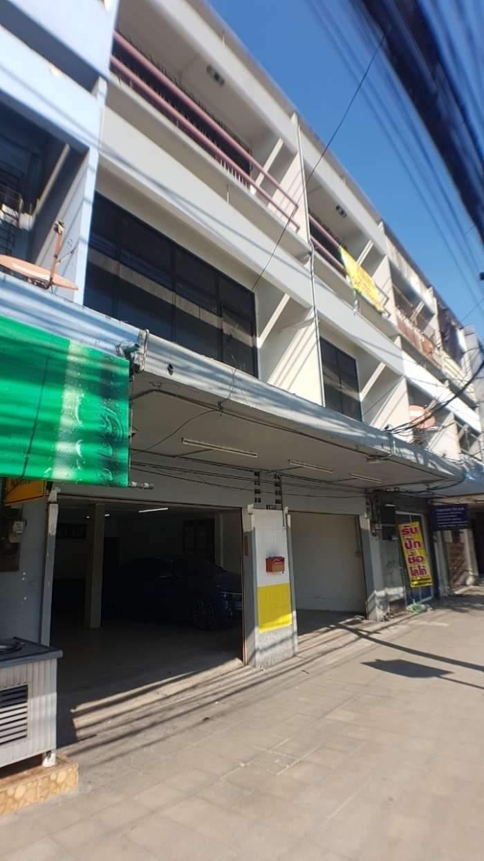 ขายด่วน อาคารพาณิชย์ 3 ชั้น 30 ตรว. ถนนเพชรบุรีตัดใหม่
