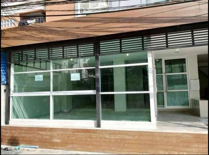 ให้เช่า‼️พื้นที่ใต้อาคาร สาขาหลัง ม.หอการค้า Urbanize Residence