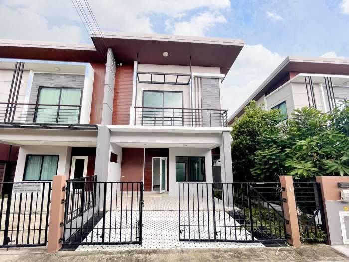 ขายด่วน บ้านแฝด เนเชอร่า เทรนด์ ประชาอุทิศ 90 ราคาเพียง 2.9 ล้าน ต่อรองได้