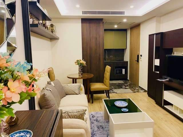 Condo for rent 168 Sukhumvit 36  Thonglor area Size: 30 sq.m.  1bedroom 1 bathroom 2 Price 15000 baht per month