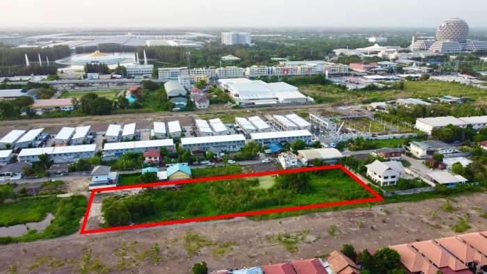 ขายด่วน ที่ดินแปลงสวยๆ พื้นที่ 3ไร่ 2งาน อยู่ระหว่าง ซอยบงกช 1 กับ ซอยบงกช 3 ติดถนน2ด้าน